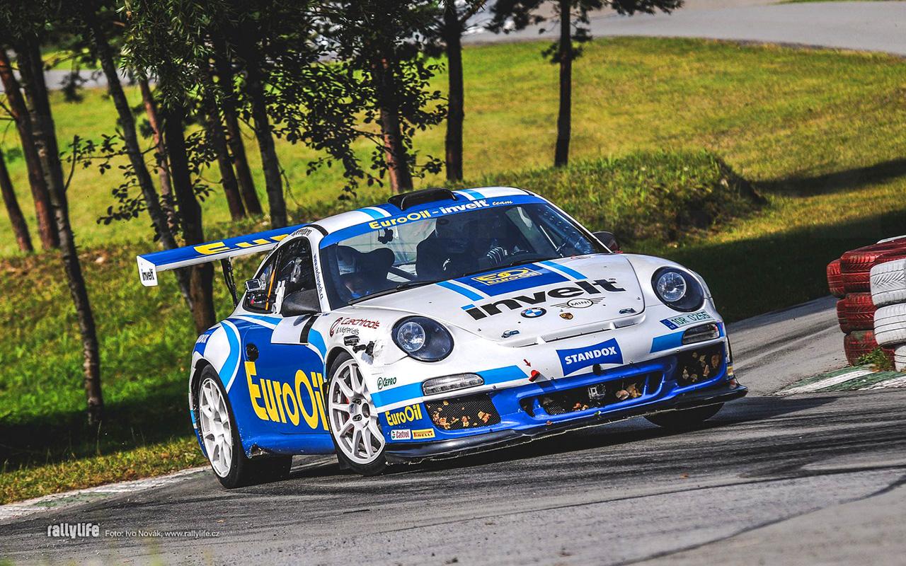 2020_INUA_portfolio_motoring_006_Porsche GT3_Pech_002